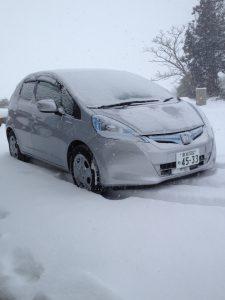 事務所前の雪は15センチは積もってますかね・・・